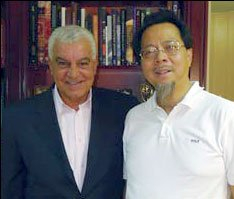 A more productive meeting - TC NG with Dr. Zahi Hawass of the SCA (courtesy TC NG/Hong Kong dental assoc)